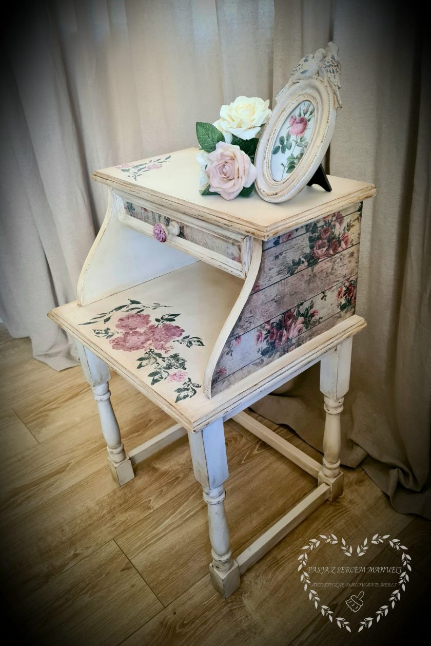 """Redesign Decoupage Decor Tissue Paper - shabby floral - 2 sheets (19"""" x 30"""")"""