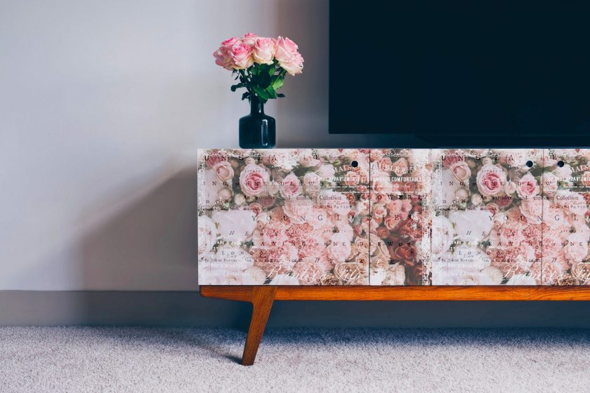 "Redesign Decoupage Décor Tissue Paper - Angelic Rose Garden - 2 sheets (19"" x 30"")"